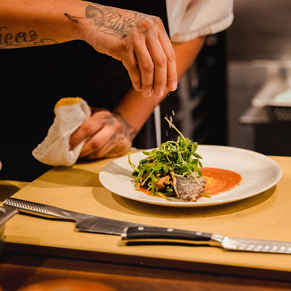 luxury travel services: private chef