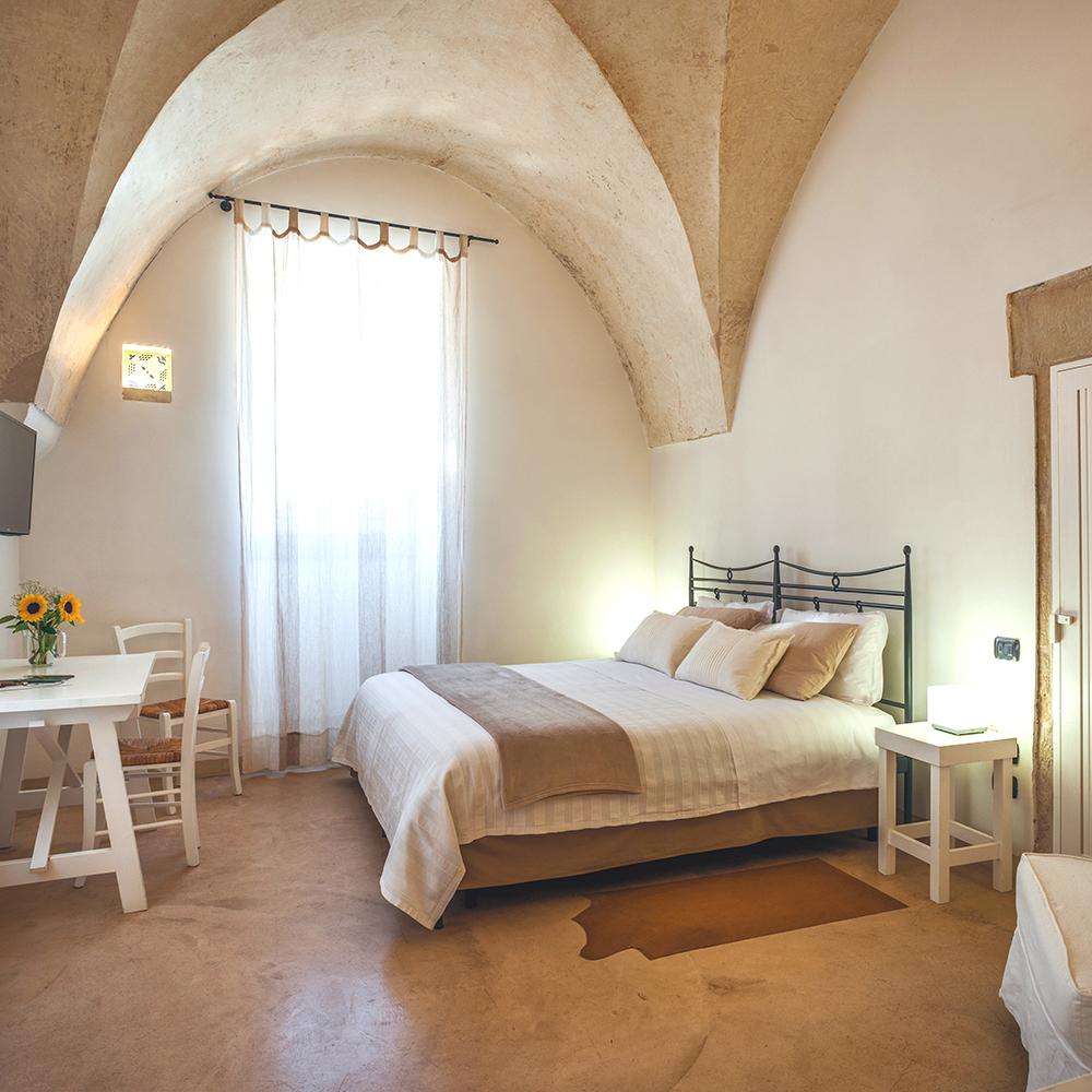 Corte dei Francesi accommodation in Puglia Italy: unique bedrooms