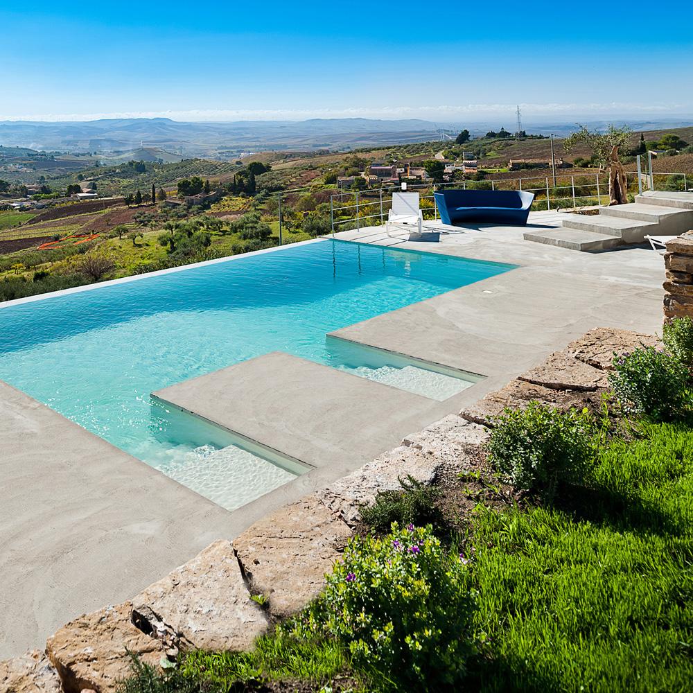 Villa Tangi's swimming pool: luxury accommodation in Sicily