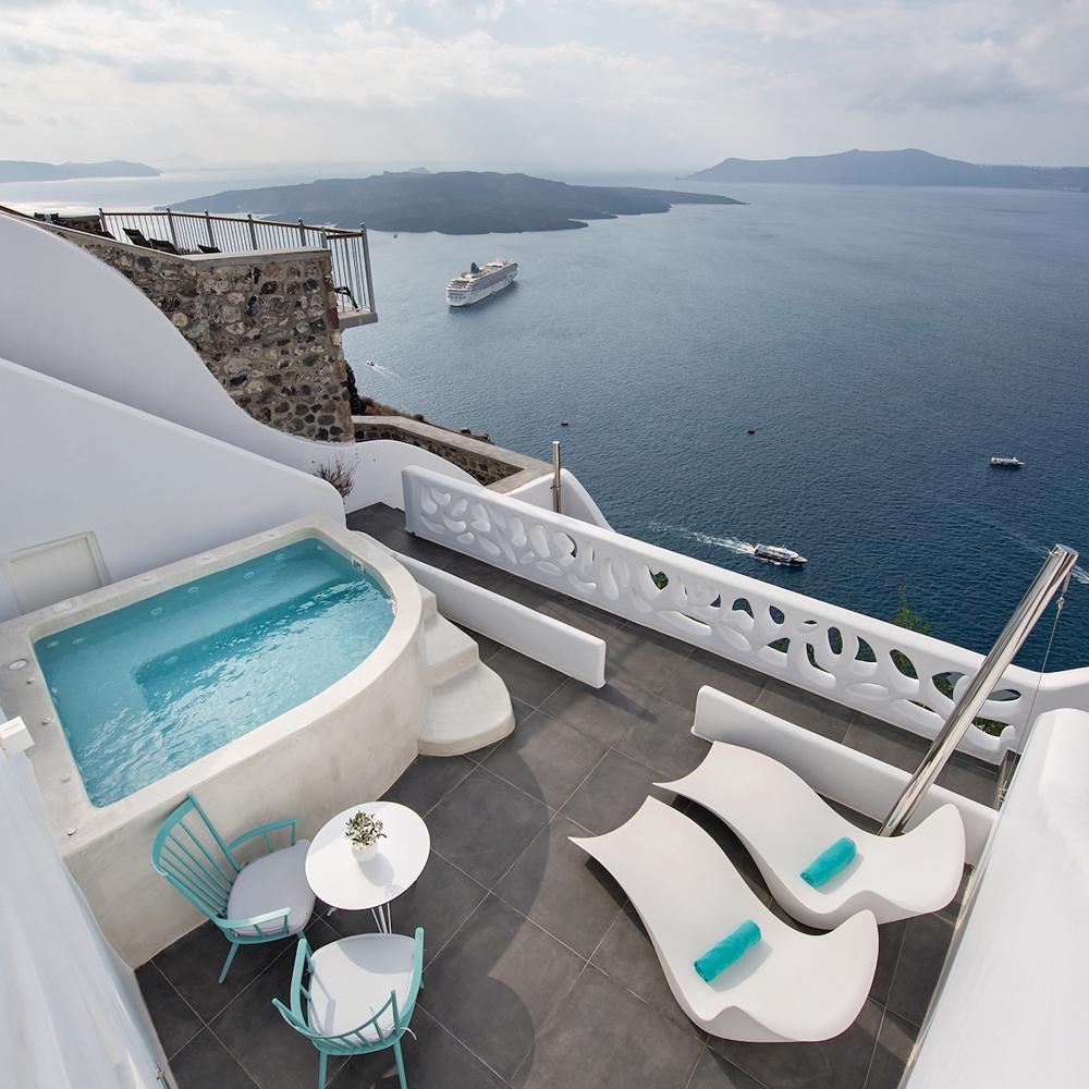 Vivi tutta la bellezza di Santorini in un esclusivo hotel di lusso
