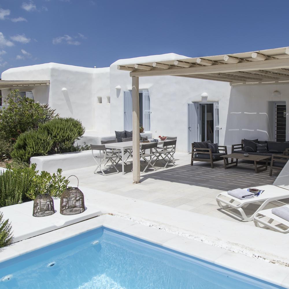 Villas in Paros Greece : pool view